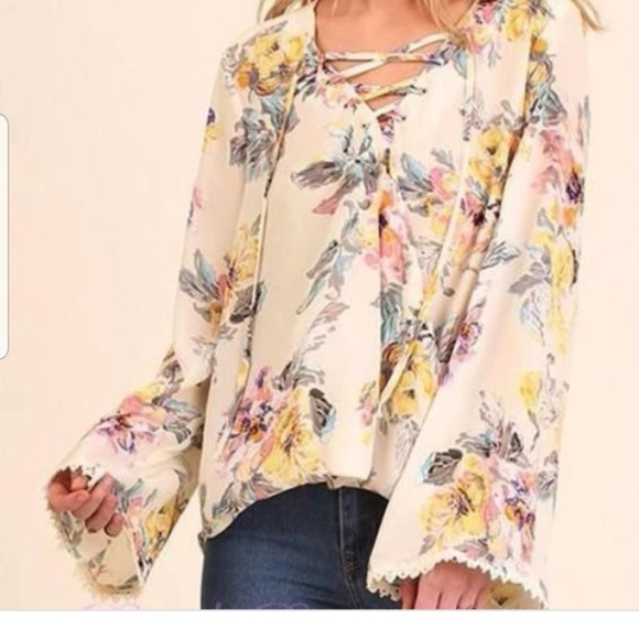 Umgee Tops - Umgee XL floral lace up tie blouse